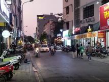 Chính chủ cần sang lại mặt bằng kinh doanh ở phố Nguyễn Văn Tuyết, Đống Đa, HN